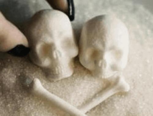 Причины преждевременного старения кожи - курение, сахар и стресс