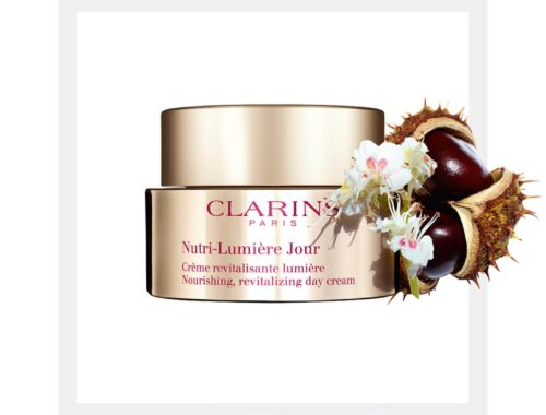 Clarins Capital-Lumiere для ухода за кожей после 60 лет