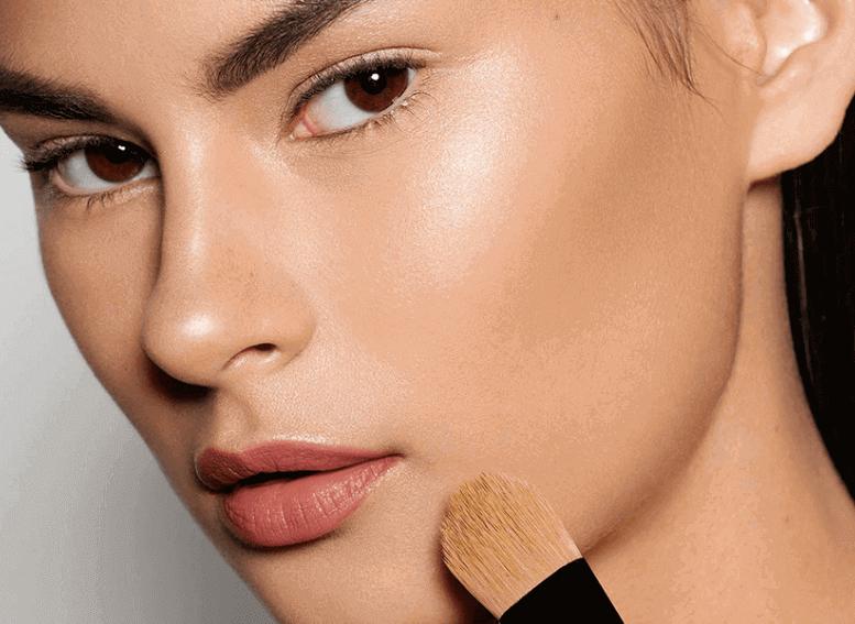 Какие средства для макияжа подходят для жирной кожи